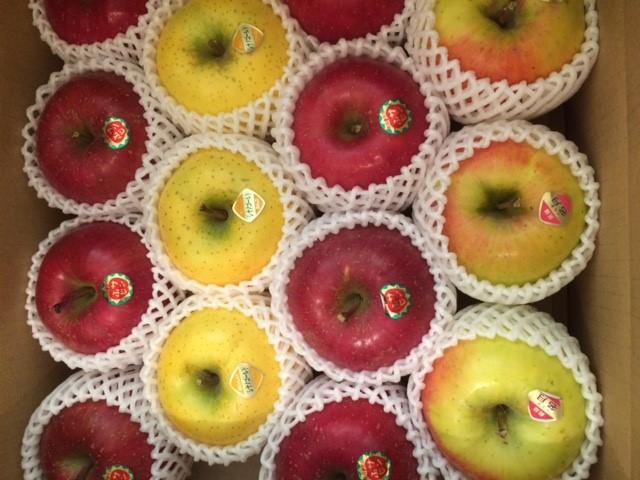 杉山さんからのりんご
